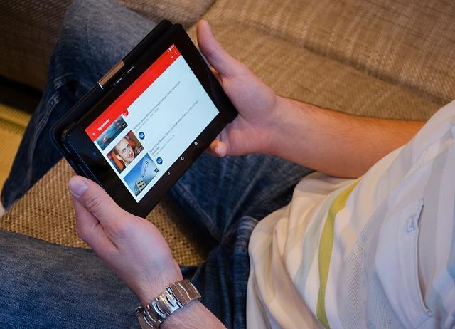 youtube v tabletu