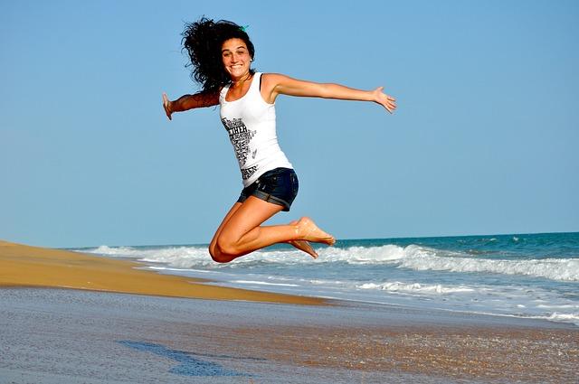 skok na pláži.jpg