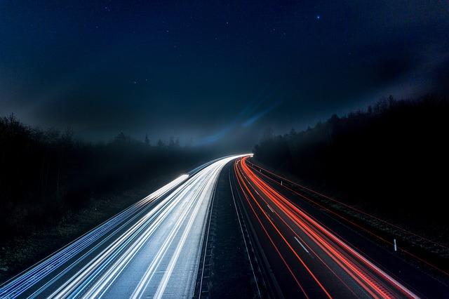 dálnice v noci.jpg