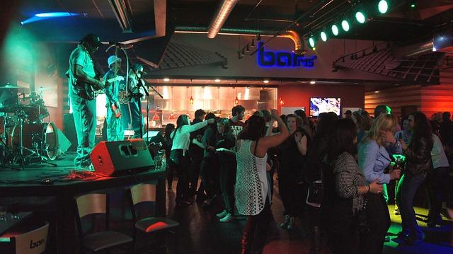 tanec v klubu.jpg