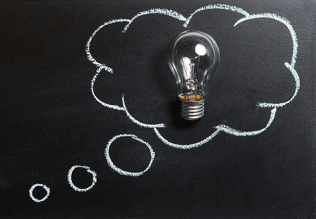 žárovka znázorňující nápad