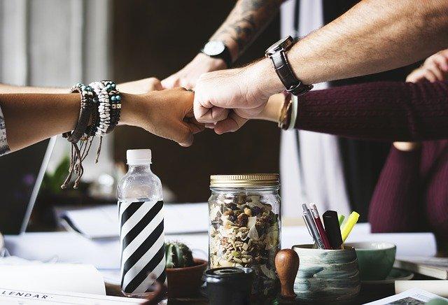 spolupráce lidí