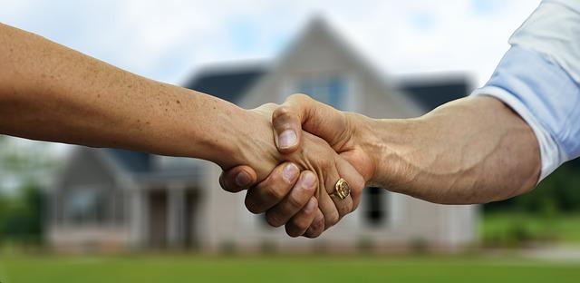 podání rukou